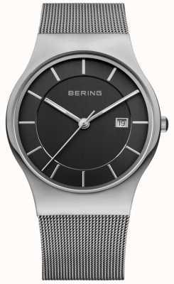 Bering Cadran noir pour homme avec bracelet argenté et date 11938-002