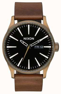 Nixon Cuir Sentry | laiton / noir / marron | bracelet en cuir marron | cadran noir A105-3053-00